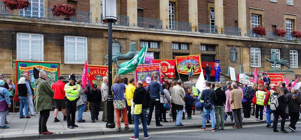 Royal Mail workers rally