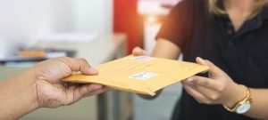 Should You Choose Tracked or Standard Parcel Delivery Service?